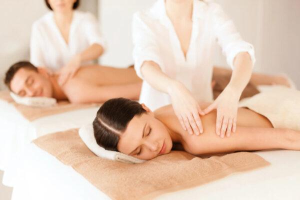 masaż dwóch kobiet